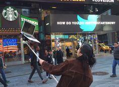 macbook-selfie-stick-moises-john-yuyi-tom-galle-34