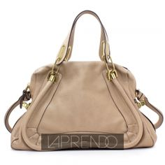 Close Up View of Chloé Paraty Medium Shoulder Bag