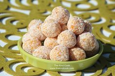 It only takes TWO ingredients and a few minutes and you have these amazing, vegan Apricot Energy Balls! They have a lovely smooth texture and taste amazing. Vegan Energy Balls, Energy Bites, Energy Snacks, Energy Drinks, Vegan Snacks, Yummy Snacks, Vegan Food, Paleo Treats, Raw Food Recipes