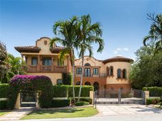 Luxury home in Lighthouse Point, Florida