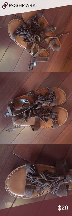 ✨American Eagle Outfitters✨Fringe Sandals Super cute tan fringe sandals from AEO. Only worn once. In perfect condition. Size 10 US. I love these they are just one size too big for me! Would love to find them a loving home! 😊🌿🌻 American Eagle Outfitters Shoes Sandals