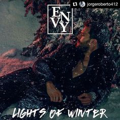 #CDMX Mañana en #Envy! @jorgeroberto412 en puerta para descuento en cover! Hey chavos!! Este viernes tenemos posada en Envy!!!  Recuerden barra libre hasta las 12 am. Digan JORGE ROBERTO en COVER para descuento!! Estará con nosotros #IsaacEscalante INBOX para info rsvs y . Ahí los espero!! #cdmx #México #envy #envyisme #bar #gaybar #adondeir #gay #winter #envywinterball