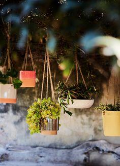 Offrez-vous un jardin suspendu pour vous donner plus d'espace. Déco - Décoration - Decoration - Maison - Inspiration - Tendance - Jardin - Cache-pot - Alinea