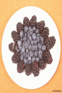 Blueberries and blackberries on a white plate. Vitamin and Diet Food , White Plates, Black Corset, Blackberries, Control Panel, Diet Recipes, Blueberry, Vitamins, Photographs, Fruit