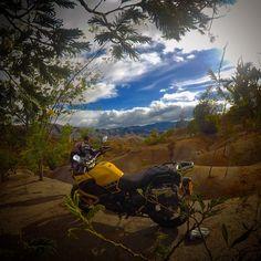 Montañas de Boyacá #supertenerext1200z #supertenere1200z # #yamaha #yamaha60th #bikes #mitase07 #piaa #ecoturismo #travell #vivecolombia #offroad