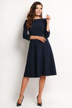 Elegancka Sukienka w kolorze granatowym z dołem lekko rozkloszowanym na wyjątkowe spotkania jak również do biura i biznesu. http://besima.pl