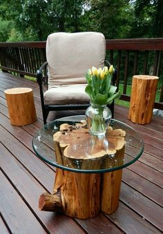 Using recycled materials for DIY tree stump table? decor diy tree stumps DIY Tree Stump Table Ideas & How to Make Them - MORFLORA Diy Outdoor Wood Projects, Reclaimed Wood Projects, Garden Projects, Garden Ideas, Outdoor Ideas, Log Projects, Rustic Outdoor, Salvaged Wood, Pallet Projects