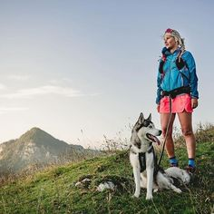 After gift inspiration for the trail runner in your life or yourself? Check out our list of the best affordable and useful gifts for trail runners. Running Friends, Running Buddies, Trail Running, 15 Minute Morning Yoga, Hiking Dogs, Running Inspiration, Morning Running, Dog Runs, Dog Wear