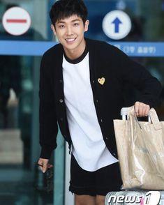 Lee Joon, Korean Men, Kdrama, Actors, Jackets, Idol, Bunny, Father, Fashion