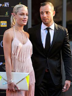 Oscar Pistorius Prayed Over Bloodied Girlfriend for Her Life: Witness