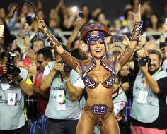 As mais belas e musas que desfilaram em SP na primeira noite de carnaval, veja as fotos aqui... - https://pensabrasil.com/as-mais-belas-e-musas-que-desfilaram-em-sp-na-primeira-noite-de-carnaval-veja-as-fotos-aqui/