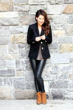 Risultati immagini per Jillian Harris Black Leggings Outfit, Leather Leggings, Fall Winter Outfits, Autumn Winter Fashion, Neutral Tops, Jillian Harris, Trendy Outfits, Celebrity Style, Jeans