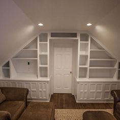 Traditional Family Room Attic Design Ideas, Pictures, Remodel, and Decor