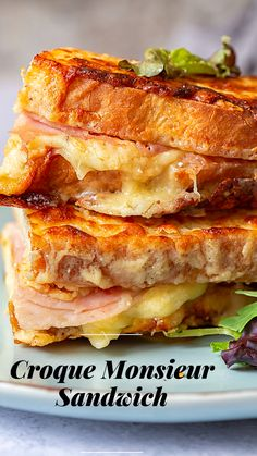 Classic Croque Monsieur Sandwich made the easy way! Classic Croque Monsieur Sandwich made the easy way! Gourmet Sandwiches, Delicious Sandwiches, Wrap Sandwiches, Panini Sandwiches, Brunch Recipes, Dinner Recipes, Panini Recipes, Soup And Sandwich, Cooking Recipes