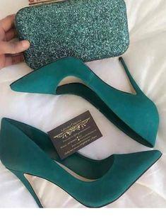 48 tendencias de zapatos para inspirar a todas las chicas - Shoes - Schuhe für Frauen - Schuhtrends - Zapatos Ideas Pretty Shoes, Beautiful Shoes, Beautiful Pictures, Gorgeous Women, Crazy Shoes, Me Too Shoes, Pumps Heels, Stiletto Heels, Women's Flats