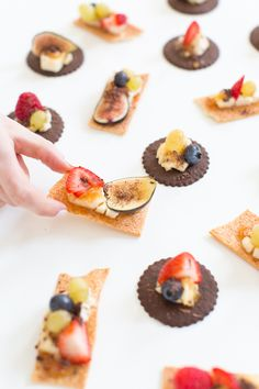 We're putting a dessert spin on this classic snack food to create a seriously delicious dessert cheese and crackers recipe! Tea Recipes, Sweet Recipes, Snack Recipes, Kid Desserts, Delicious Desserts, Tea Party Menu, Chocolate Snacks, Tea Time Snacks, Foods To Eat