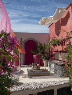 Terrasse ou patio au parfum lointain...