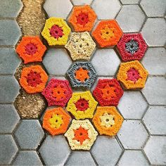 These tile replacement #hexies by @yarnbombingbruxelles might be my favorite yarn bombs yet! How gorgeous are they and what a cool idea!!  #regram & photo credit: @yarnbombingbruxelles  #yarnbomb #yarnbombing #streetart by deartomyartcreations