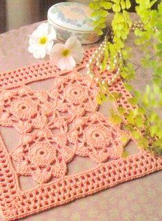 Tecendo Artes em Crochet: Duas Toalhinhas Quadradas Lindinhas Para Vocês!
