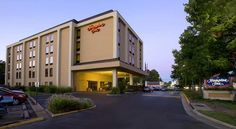 Hampton Inn Fairfax City Fairfax Just off Route 50, within driving distance of Washington, D.C., this hotel in Fairfax, Virginia offers a free hot breakfast every morning and guestrooms with comfortable Cloud Nine beds.