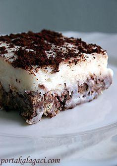 Easy Cake with Biscuits - Kekse Easy Cupcake Recipes, Easy Desserts, Dessert Recipes, Easy Recipes, Mousse Au Chocolat Torte, Keto Chocolate Cake, Peanut Recipes, Turkish Recipes, Biscuit Recipe