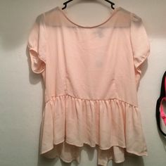 Forever Twentyone woven top Forever Twentyone woven top. Seashell pink . Size large never worn still has tags Forever 21 Tops Blouses