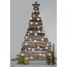 weihnachtsbaum aus alten brettern christmas inspiration. Black Bedroom Furniture Sets. Home Design Ideas