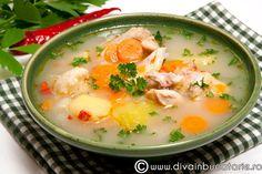 Bors de pui cu legume Romania, Cheeseburger Chowder, Soups, Diva, Recipies, Healthy Recipes, Food, Recipes, Essen