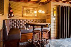 Amsterdams café interieur - Jordaans Café - Horeca interieurbouw -Sijf en Dax van Zuilen -bar op maat - kroonluchter - decoraties - lambriseringen -horecameubilair