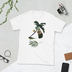 You've now found the staple t-shirt of your wardrobe. It's made of a thicker, heavier cotton, but it's still soft and comfy. Fun Prints, Botanical Prints, Portraits, Plant, T Shirts For Women, Unisex, Sleeve, Gift, Mens Tops