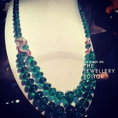 This is what 1,000 carats of emerald beads looks like @bulgari #biennaleparis…
