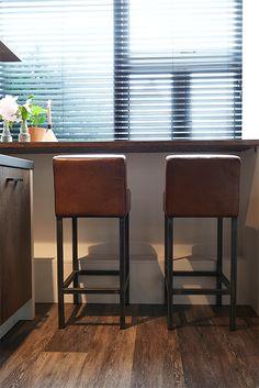 Landelijke Barstoel Barkruk Yoko Grijze Poot Kitchen