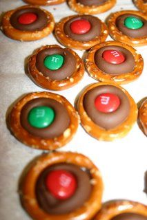 One of my FAVORITE holiday treats... maybe a big part of that has to do with how simple they are to make!!!