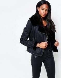 Bild 1 von Barney's Originals – Asymmetrische PU-Jacke mit Kunstpelzkragen und -ärmeln