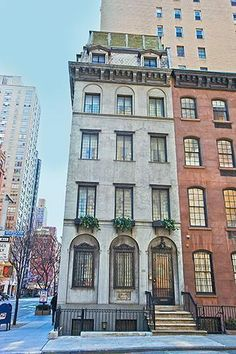 Six-story townhouse on the corner of 38th and Lexington with 1860's details and décor.