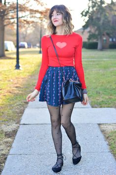 Tips for Buying Tights, Pantyhose and Other Legwear Online Pantyhose Outfits, Black Pantyhose, Tights Outfit, Black Tights, Nylons, Casual Outfits, Cute Outfits, Patterned Tights, Tight Leggings