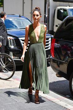 Lily Aldridge en robe Theory de la collection automne-hiver 2016-2017 à New York