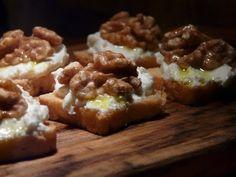 Thibeault's Table: Italian Garlic Bread with Gorgonzola