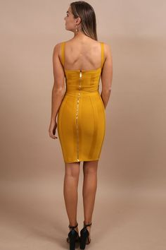 Donatella mustard tie waist bandage dress Be a trendsetter in this tailored dress! Build your trendy mustard yellow wardrobe. When it comes to a boring Simple Outfits, Chic Outfits, Party Outfits, Party Dresses, Party Clothes, Mom Outfits, Fashion Outfits, Rehearsal Dinner Outfits, Night Out Outfit