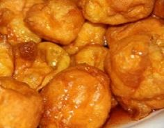 Sonhos de Laranja Portuguese Tarts, Portuguese Desserts, Portuguese Recipes, Portuguese Food, South Korean Food, Korean Street Food, Beignets, Donut Recipes, Dessert Recipes