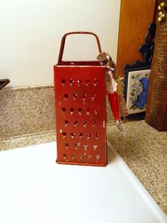 Items similar to Metal cheese grater, Grungy red, Vintage tins, box grater,  farmhouse decor, primitive kitchen, cupboard tuck, retro style, shelf  display on ... 47e7951610