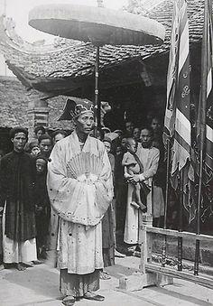 1919-1926 Xa La Pendant la cérémonie communale