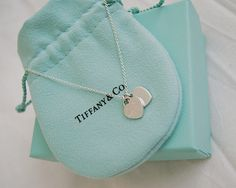 Tiffany small heart necklace Can I just. Tiffany small heart necklace Can I just. jewelry, Tiffany small heart necklace Can I just. Tiffany Jewelry, Tiffany And Co Necklace, Opal Jewelry, Pandora Jewelry, Body Jewelry, Jewelry Shop, Jewelry Accessories, Jewellery, Gucci Jewelry