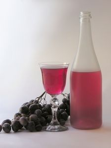 Sweet Red Wine Guide thumbnail