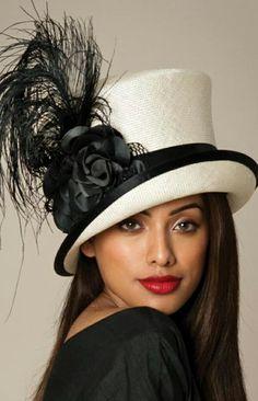 Kaunis . Fashion Photo, Girl Fashion, Womens Fashion, Insta Outfits, Black Feathers, Blazer Fashion, Blazers, Panama Hat, Fashion Stylist