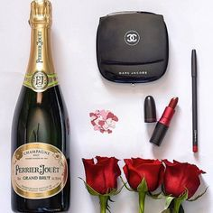 The start of a perfect #hendo or #weddingday! #hennight #henparty #bachelorette #bacheloretteparty #perrierjouet #bubbles #champagne #red #roses #mac #marcjacobs #chanel #makeup #muotd #weddingprep #hendoprep #londonblog #londonblogger #weddingblog #weddingblogger #devinebride regram @perrierjouet
