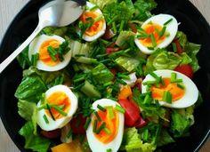 Zeleninový salát s vejcem   Paleo recepty Paleo Dieta, Caprese Salad, Petra, Fitness, Chemistry, Insalata Caprese