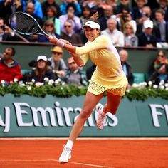 Garbine Muguruza Defeats Serena Williams in French Open Final #Sports  Garbine Muguruza Defeats Serena Williams in French Open Final It's her first Grand Slam title