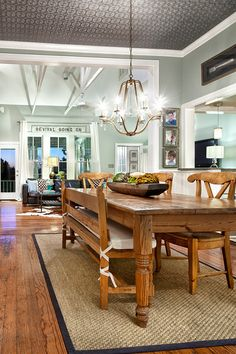 perfect kitchen table...my absolulute favorite...I can see cookies being made on this table!