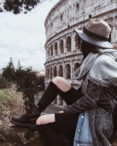 Colosseum Our endless love story Roma non è una città come le altre. È un grande museo un salotto da attraversare in punta di piedi. Alberto Sordi Buon lunedì così  by federicola